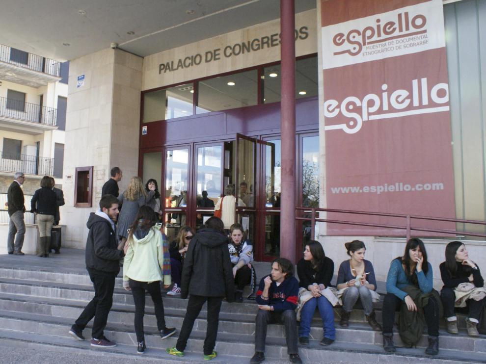 La inauguración oficial es este viernes, a las 19.00, en el Palacio de Congresos de Boltaña.
