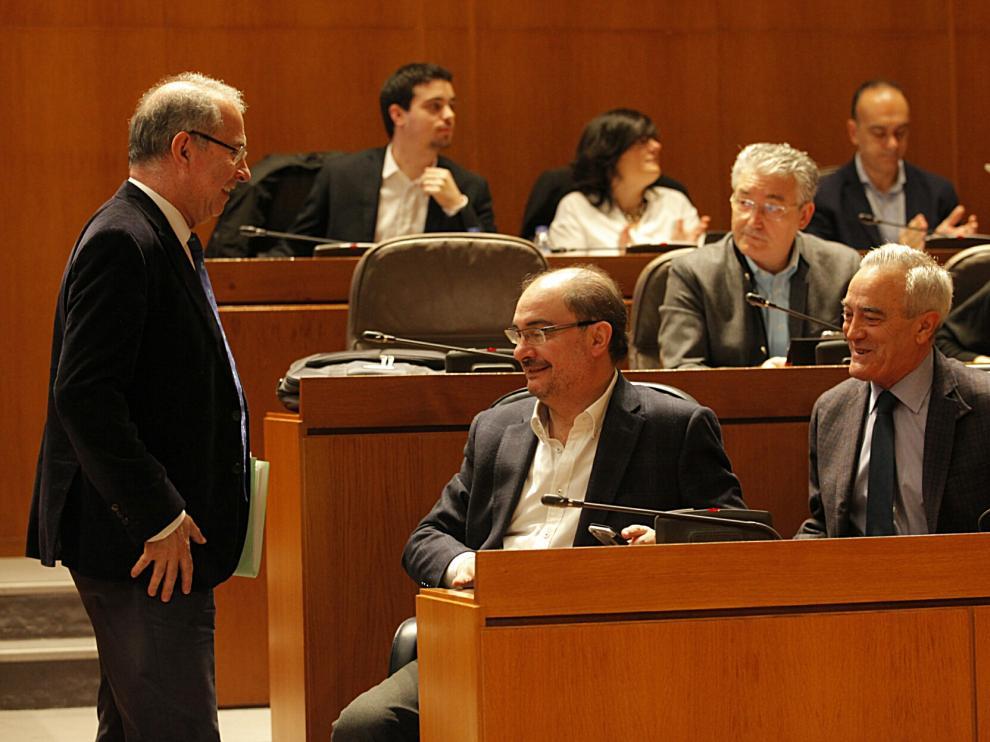 Sesión plenaria de las Cortes autonómicas.