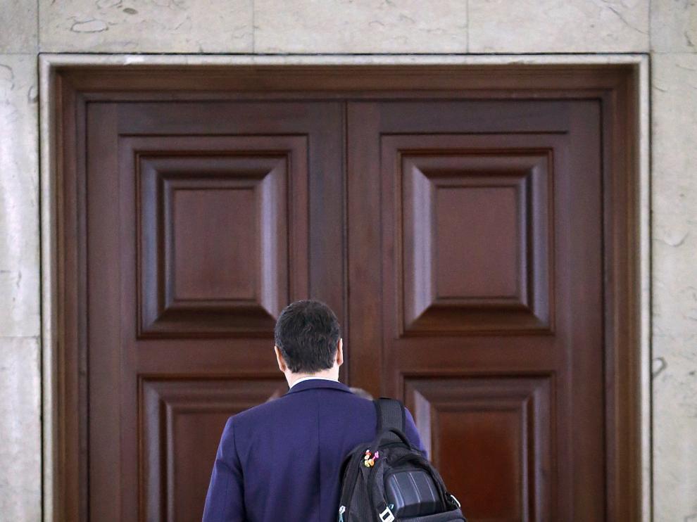 Pedro Sánchez se reunió con la comisión negociadora de su partido.