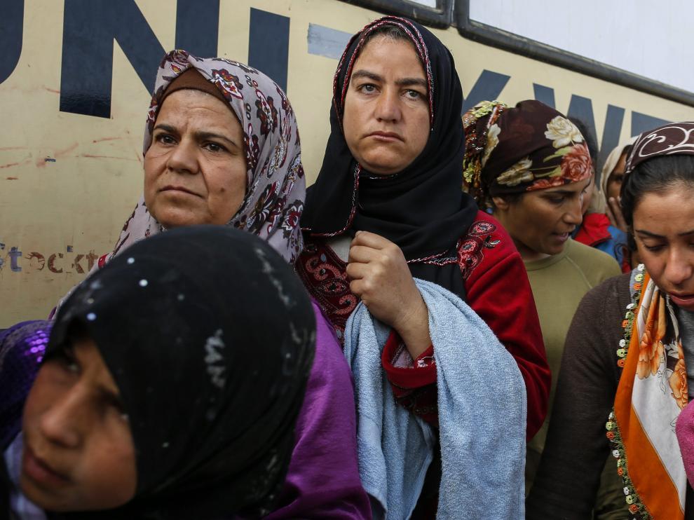 Un grupo de refugiadas, en la frontera de Grecia con Macedonia.