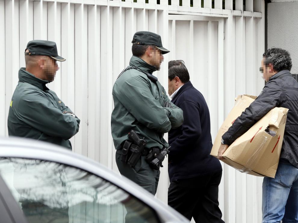 Imágenes del registro efectuado este lunes en el domicilio de Mario Conde.