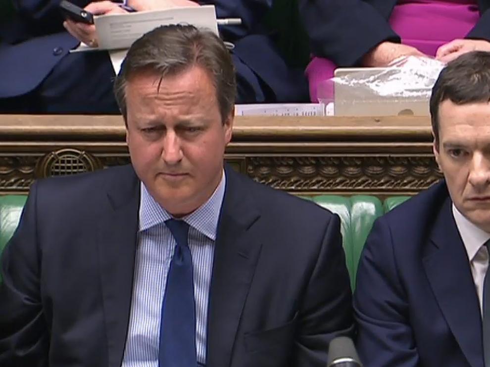 David Cameron, junto a su ministro de Finanzas George Osborne