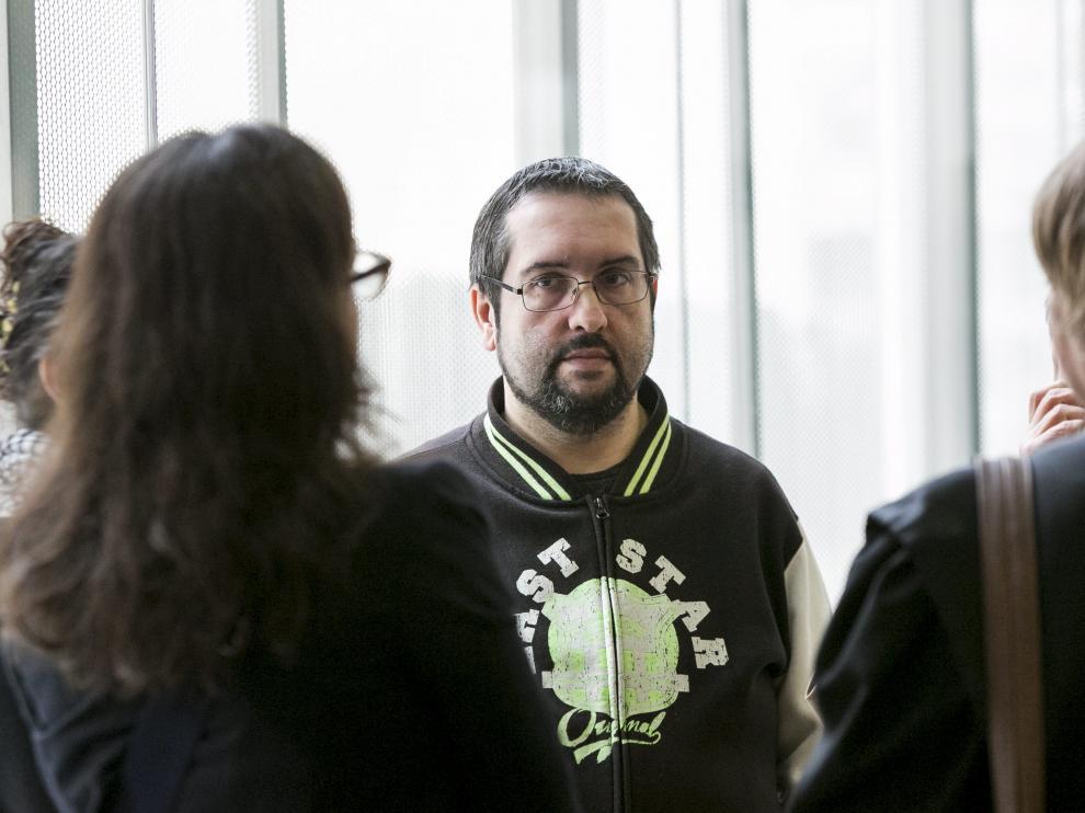 Ignacio S.O., en los pasillos de la Audiencia de Zaragoza, poco antes del juicio.