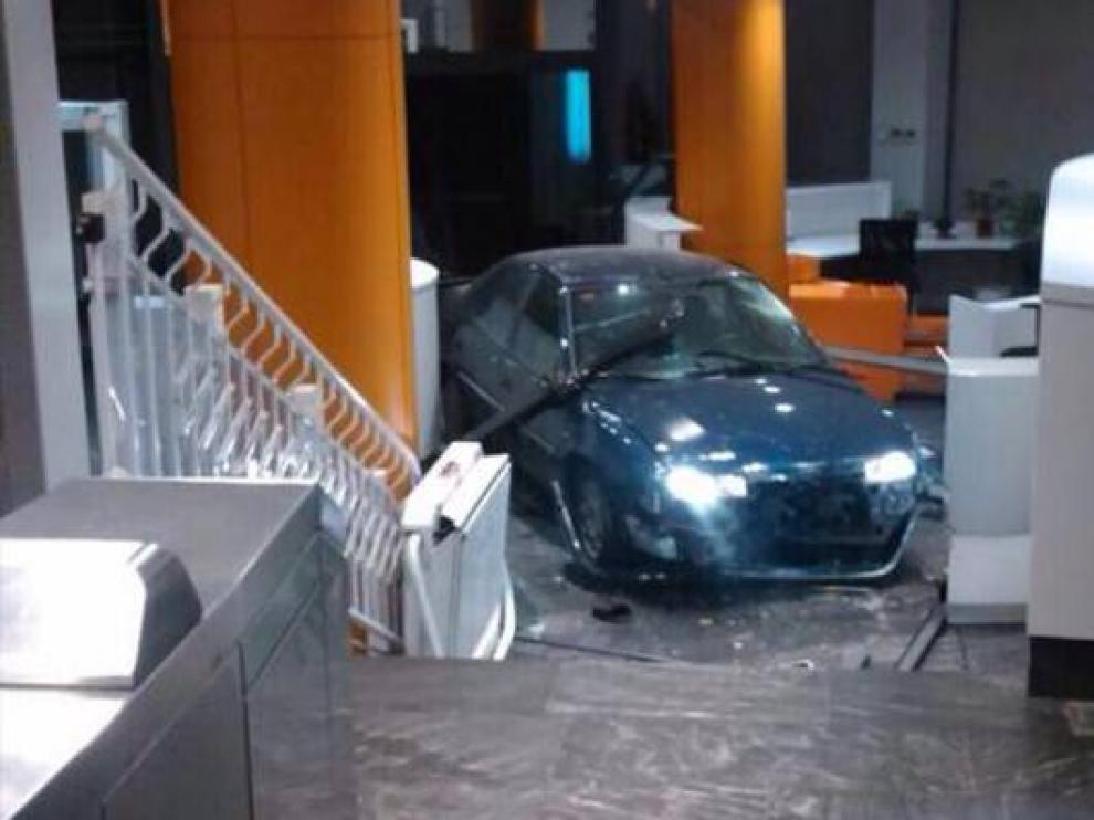 En diciembre de 2014 empotró su coche contra la sede del PP en la calle Génova.