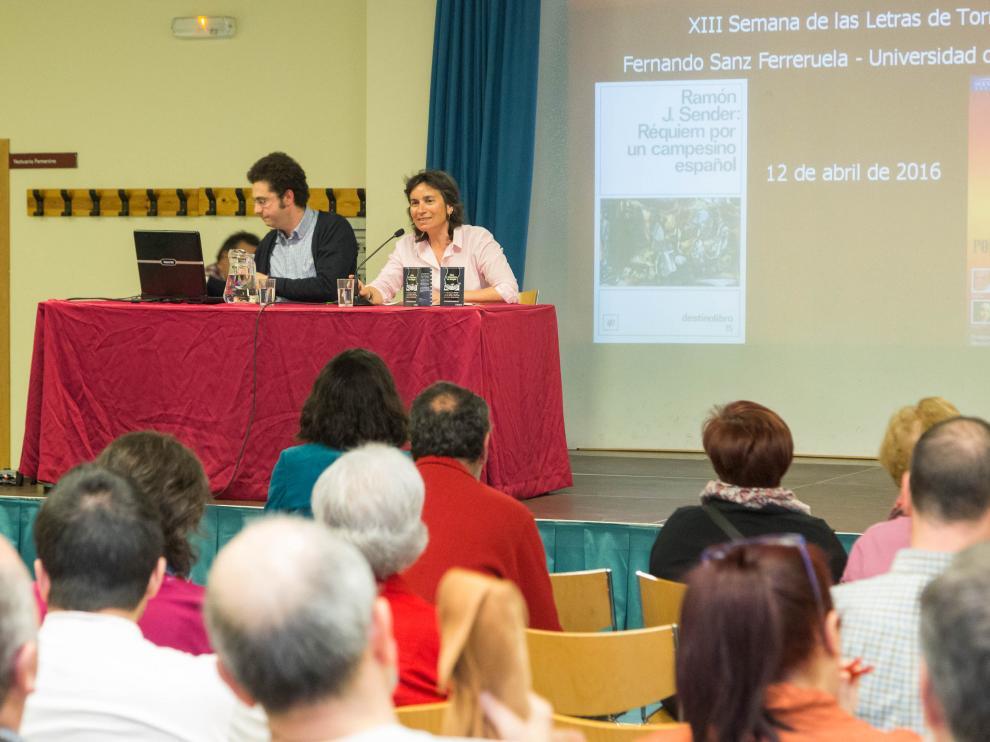 La presidenta del distrito de Torrero, Luisa Broto, inaugura la XIII edición de la Semana de las Letras de Torrero