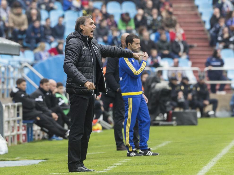 Miguel Ángel Portugal, entrenador del Valladolid, durante el partido de la primera vuelta en La Romareda, en el que ganó el equipo pucelano por 0-2.