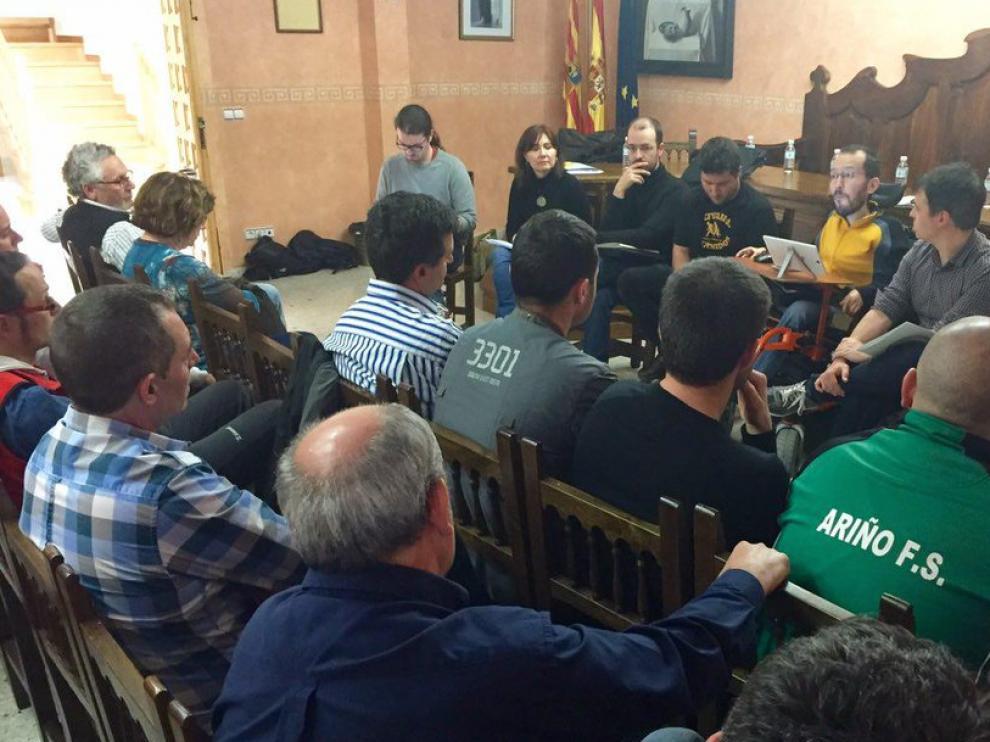Echenique se ha reunido en Ariño con los trabajadores del sector de la minería.