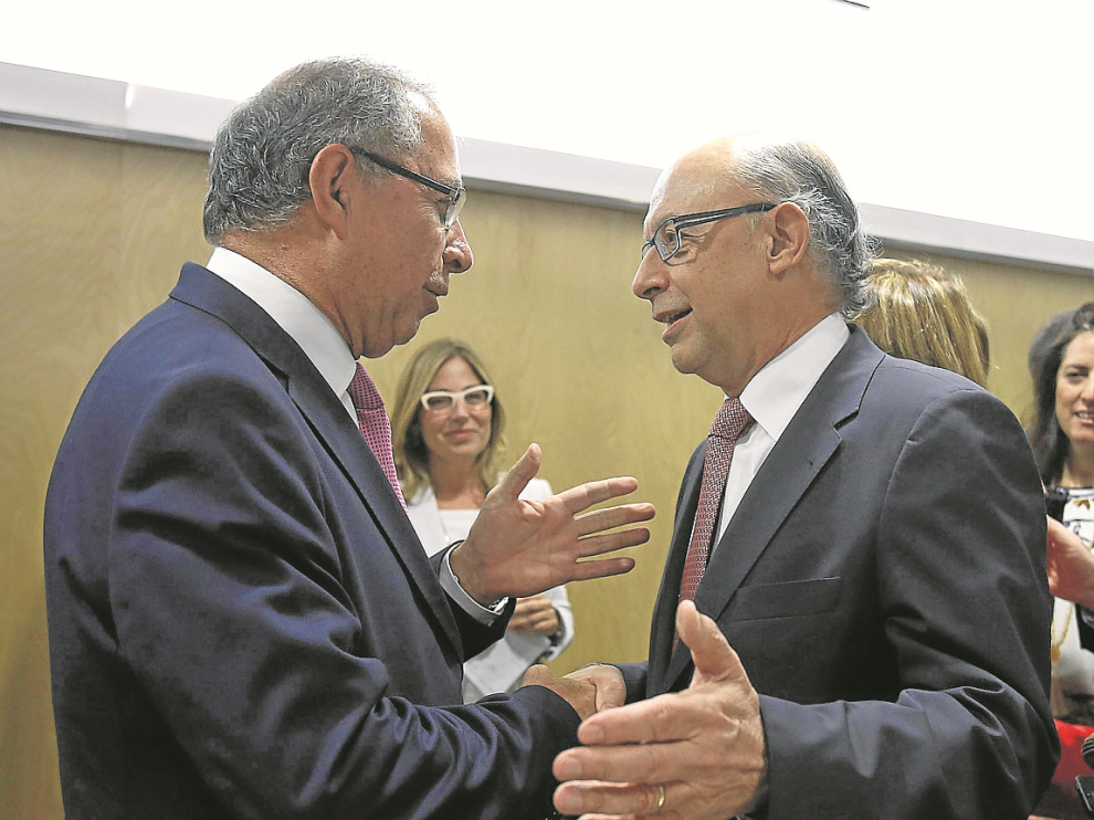 Fernando Gimeno y Cristóbal Montoro, en el Consejo de Política Fiscal del pasado julio.