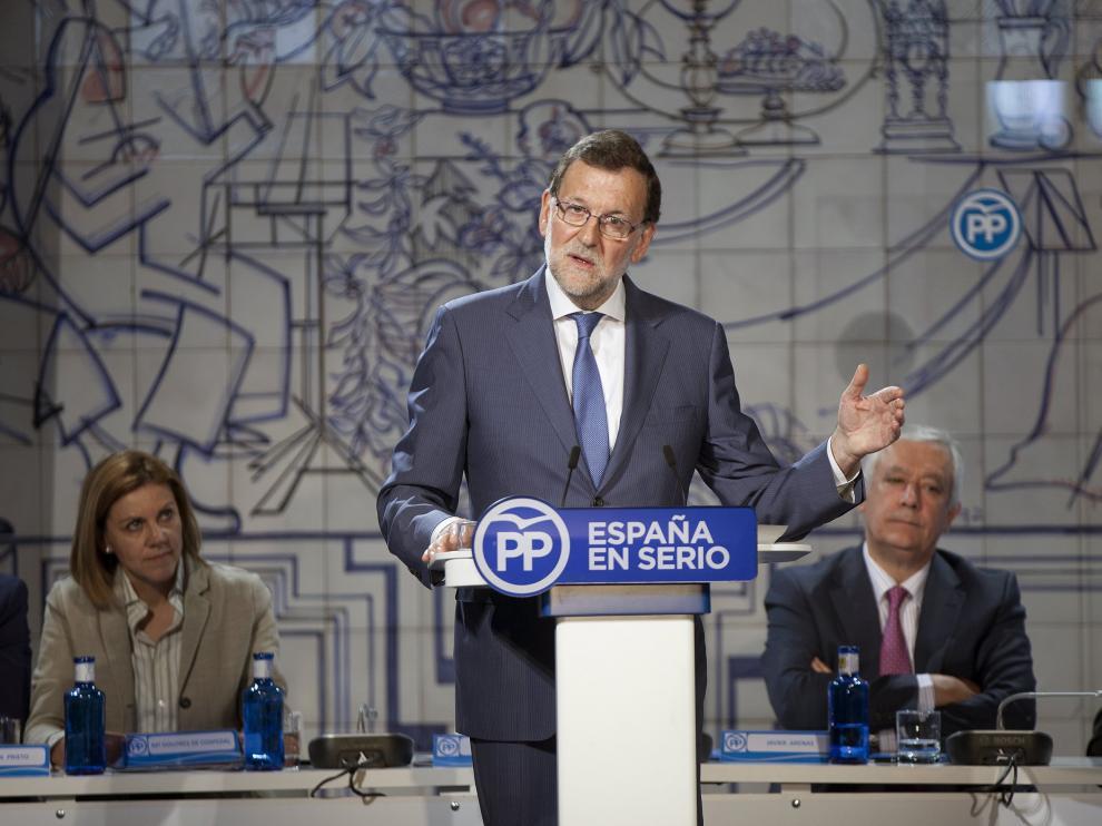 """Mariano Rajoy propone a Pedro Sánchez que acepte su oferta de un gobierno de mayoría """"moderada""""."""