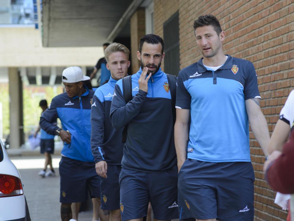 Los jugadores del Real Zaragoza parten hacia Valladolid