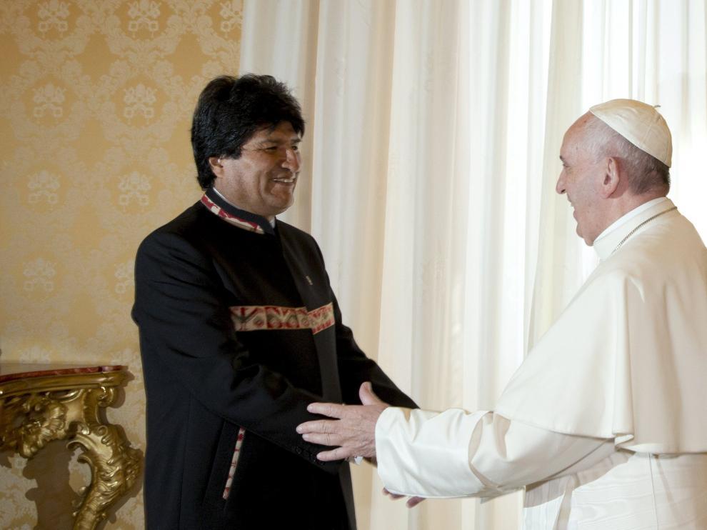 Evo Morales conversó durante 27 minutos con el pontífice en la Biblioteca del Palacio Apostólico del Vaticano.