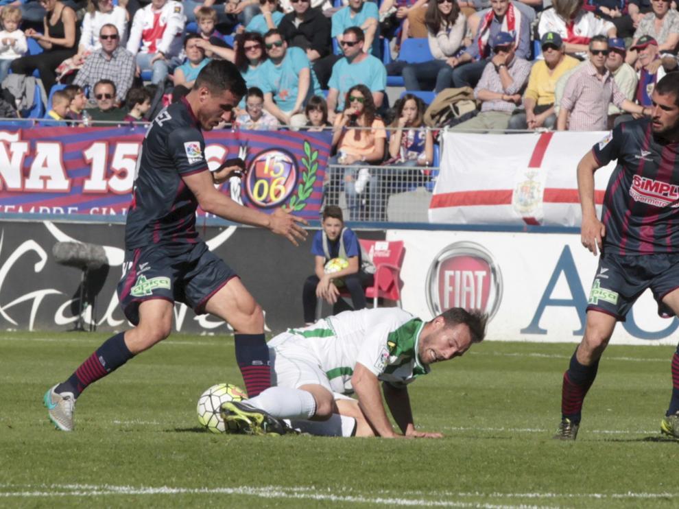El Huesca se enfrenta al Córdoba