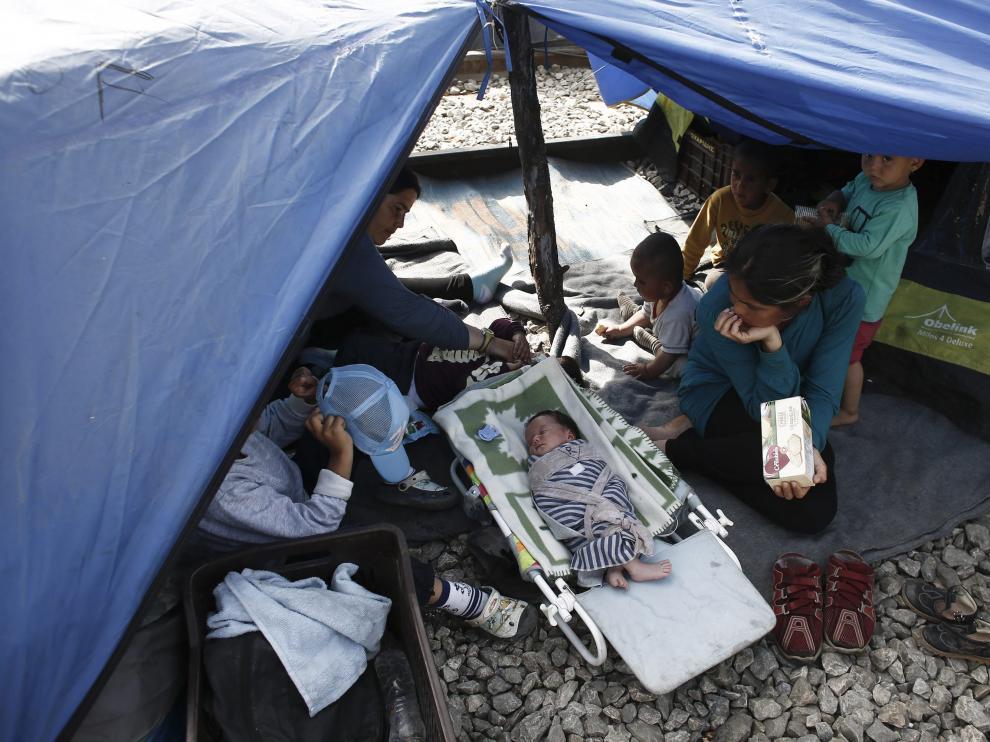 Situación de unos refugiados en Idomeni