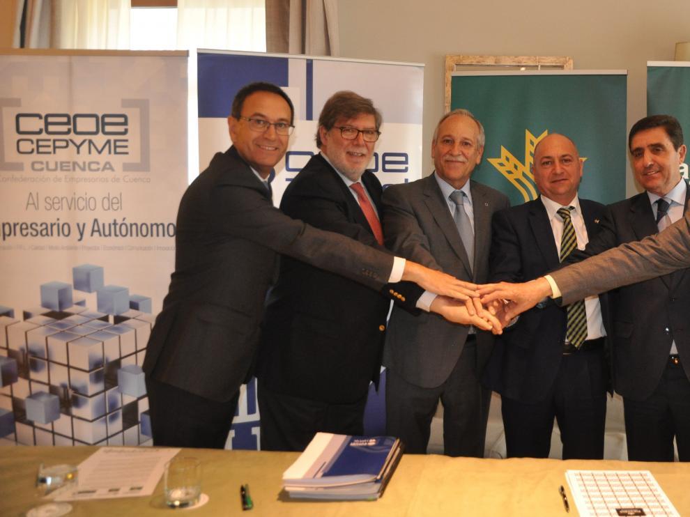 Firma del acuerdo entre las seis partes involucradas en la lucha contra la despoblación.
