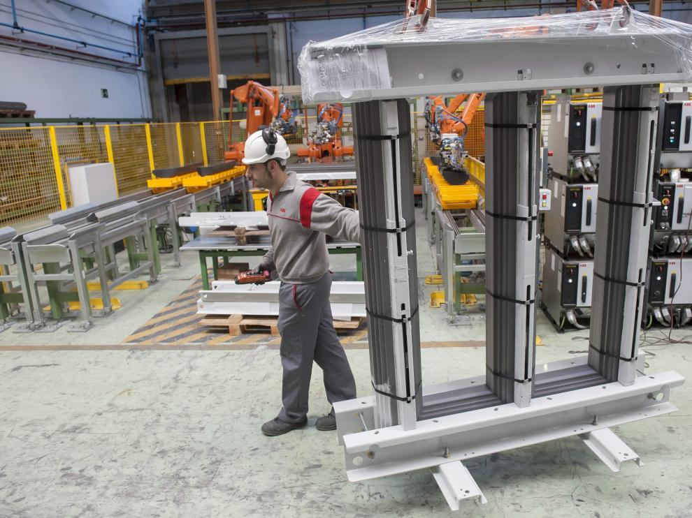 El sector industrial sigue liderando las exportaciones en la Comunidad.