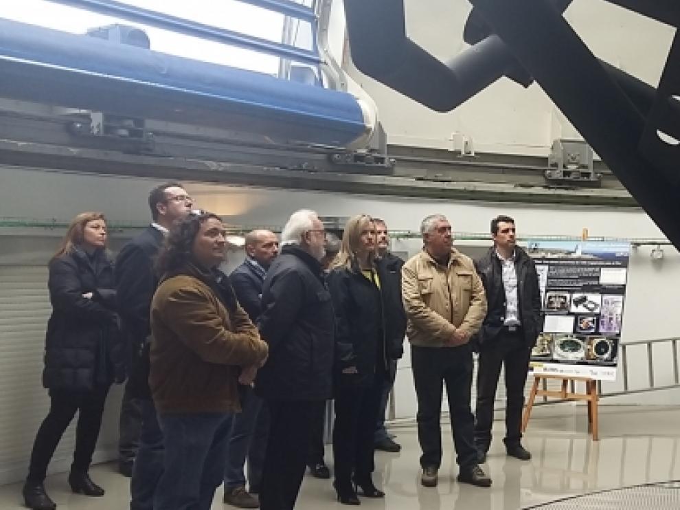 La consejera de Innovación, Investigación y Universidad del Gobierno de Aragón, Pilar Alegría, ha visitado el Observatorio Astrofísico de Javalambre.