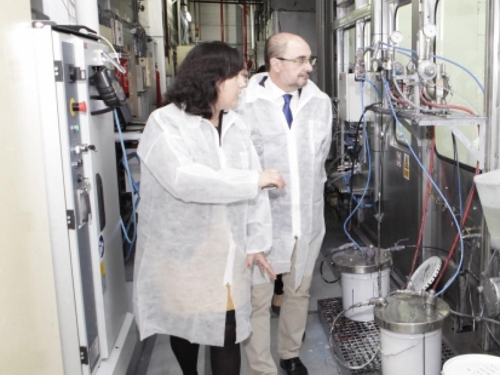 Javier Lambán, visita la ampliación llevada a cabo en la empresa KDK.