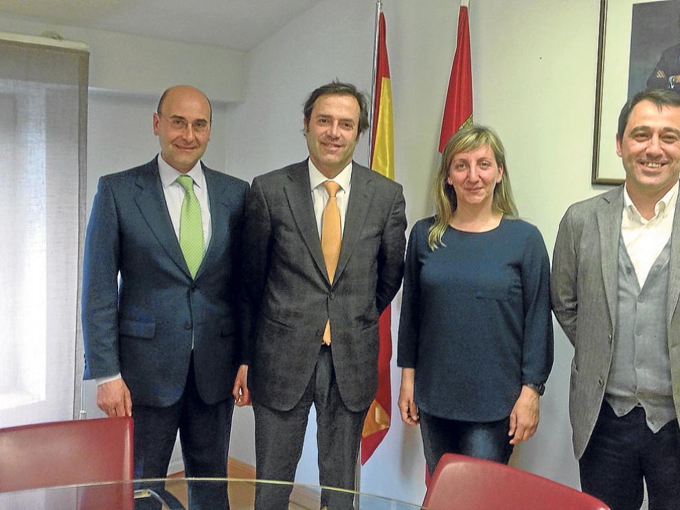Alonso (Diputación), Ramírez (Junta), Santos (Asohtur) y Muñoz (Ayto. Soria) en la reunión celebrada ayer por la tarde en Valladolid