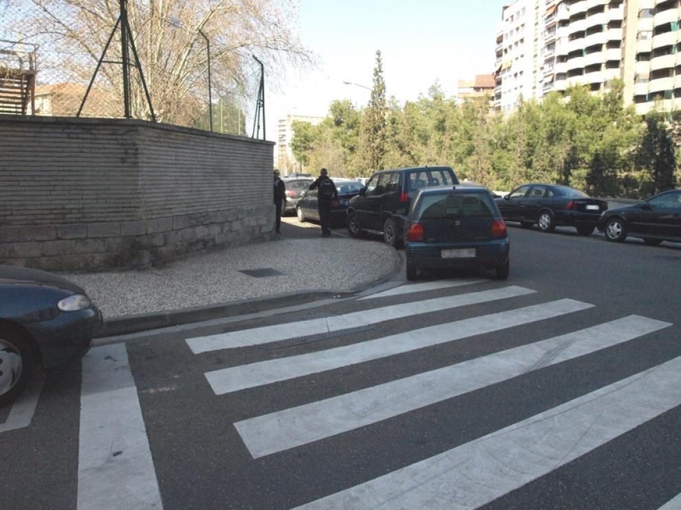 Numerosos bordillos de Zaragoza no son accesibles