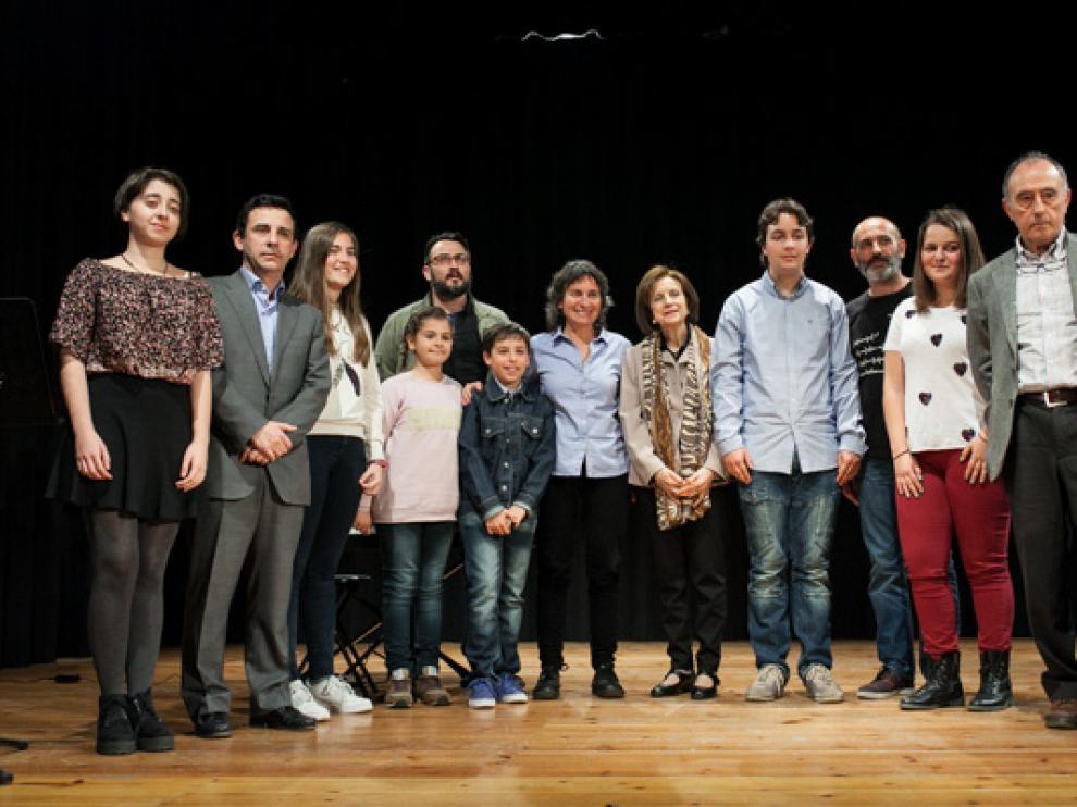 Los ganadores de las distintas categorías, en el escenario del cine Venecia de Torrero.