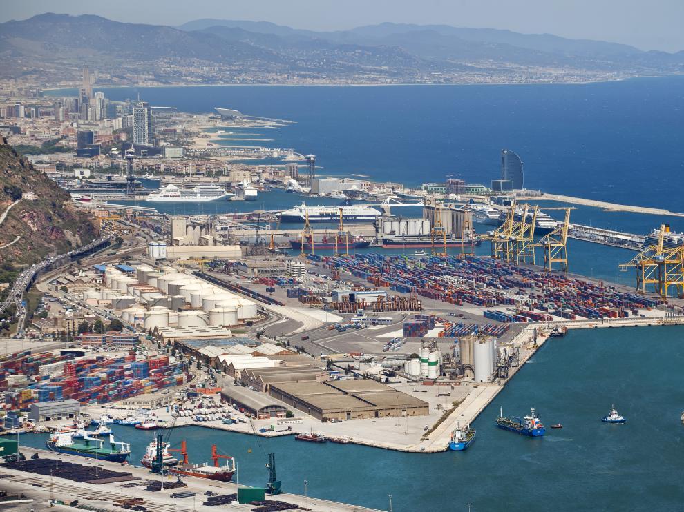 Vista panorámica del Puerto de Barcelona.