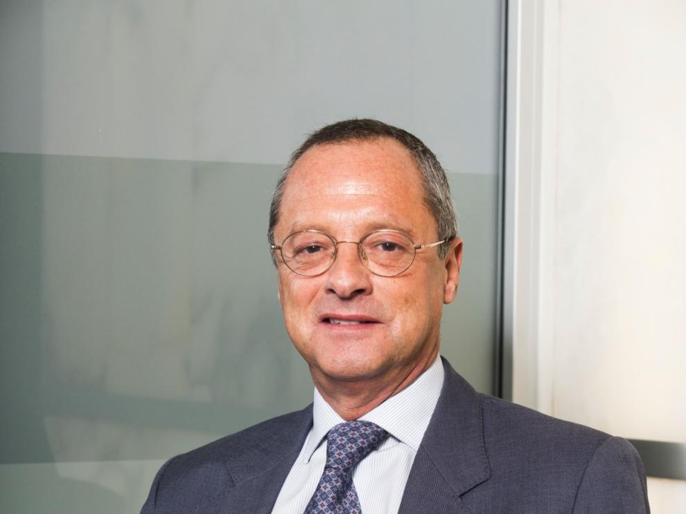 Enrique Asenjo, director Territorial de la Zona Centro de CESCE.