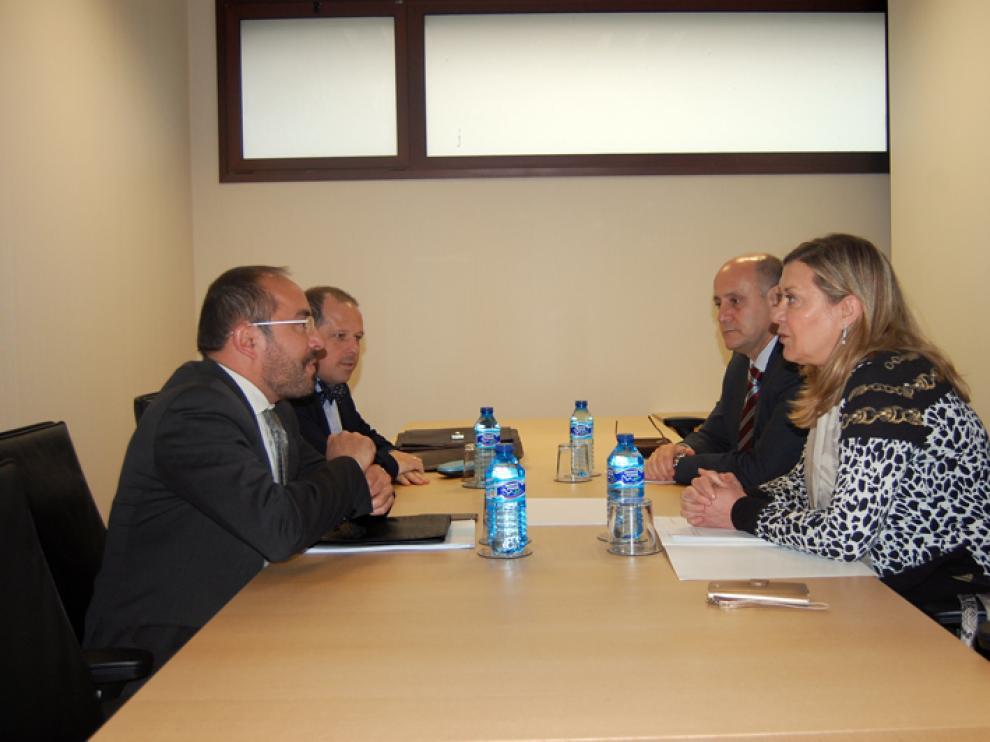 El presidente de la Diputación, Luis Rey, y la consejera de Hacienda, Pilar del Olmo, este miércoles.