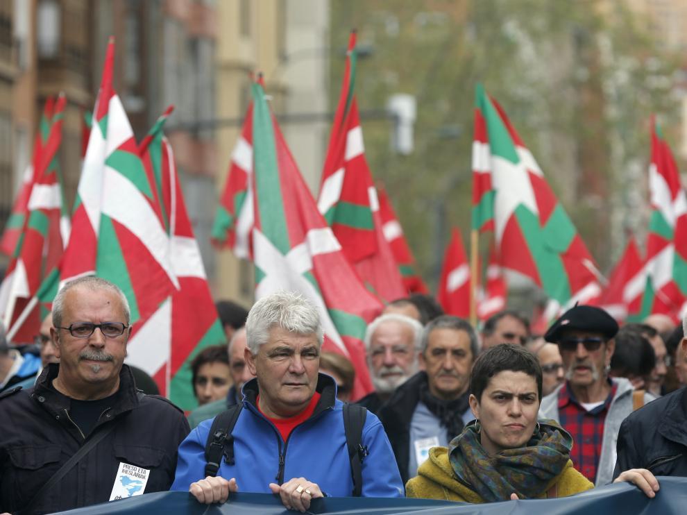 Cabecera de la manifestación de expresos y antiguos huidos de ETA celebrada la semana pasada en Bilbao.
