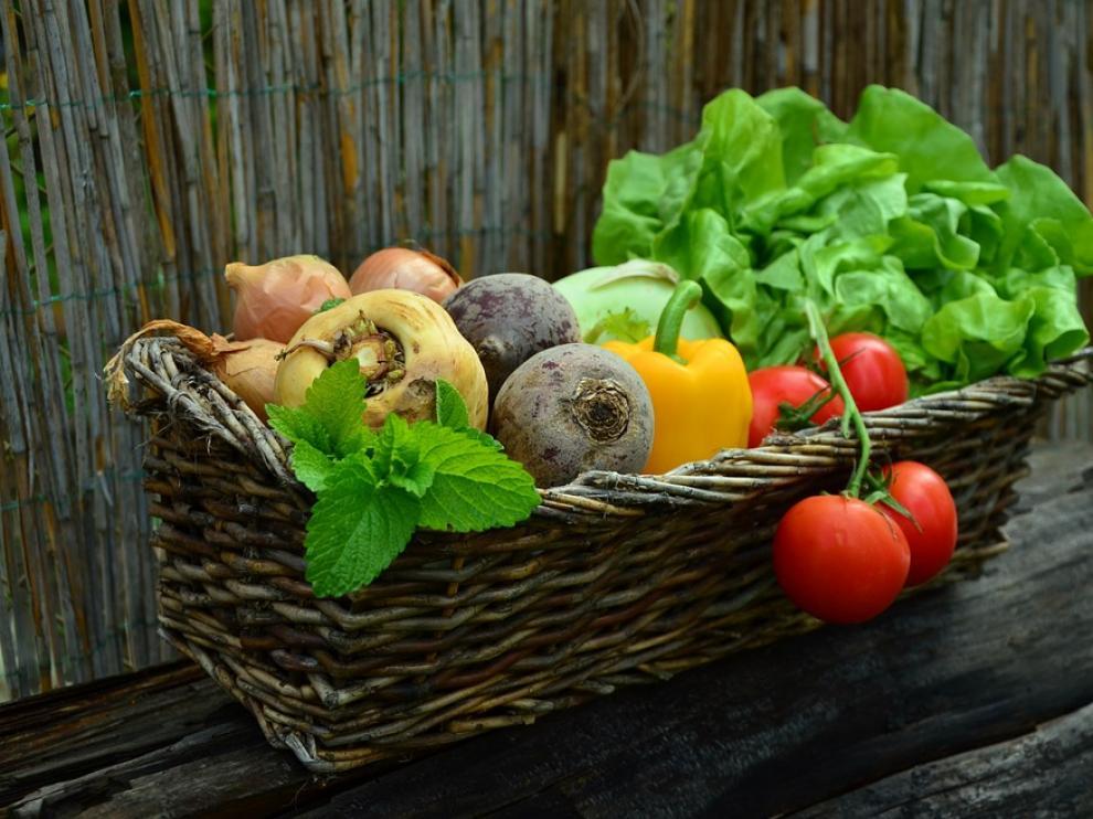 La dieta mediterránea, rica en frutas y verduras, forma parte de este prestigioso listado