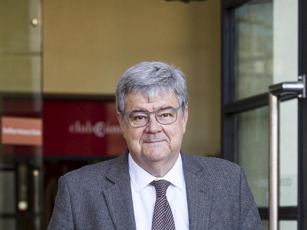 Guillem López Casasnovas, en la Cámara de Zaragoza, el día 6 de abril antes de dar una charla en el ciclo 'Visiones de la economía'.