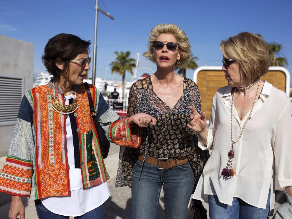 Belén Rueda, junto a María Pujalte y Beatriz de la Gándara, en el festival de cine de Málaga.