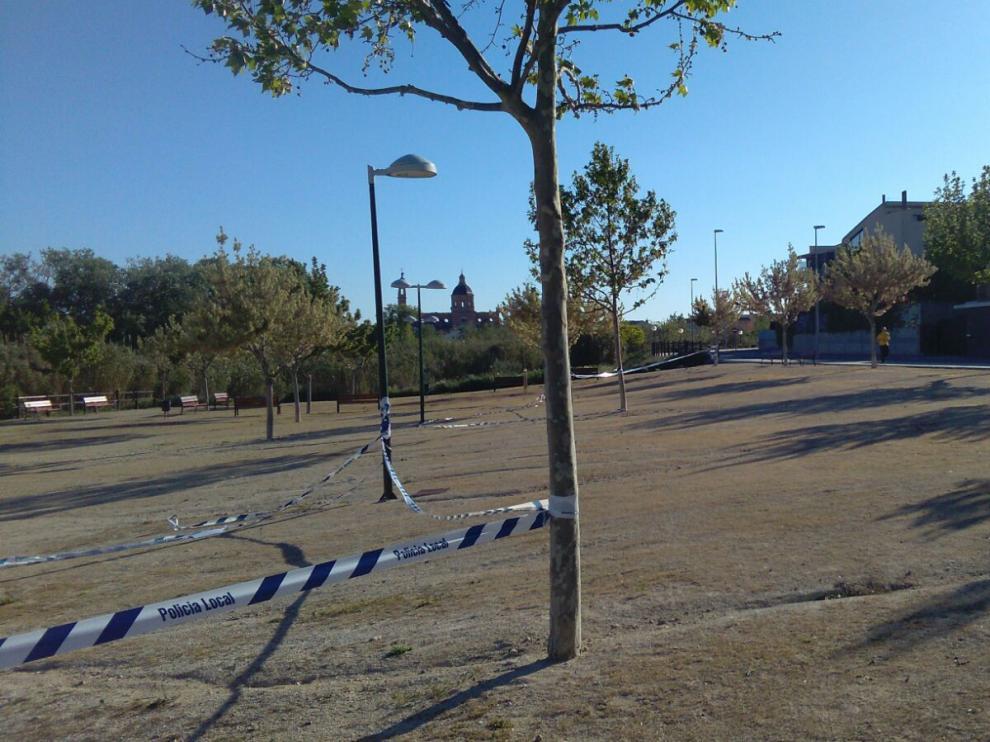 El parque infantil ubicado en la calle Numancia está precintado desde hace unos días.