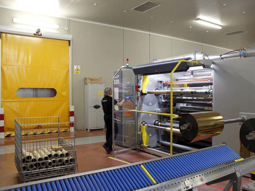 Instalaciones de Enplater en Sariñena, dotadas con maquinaria de última generación.