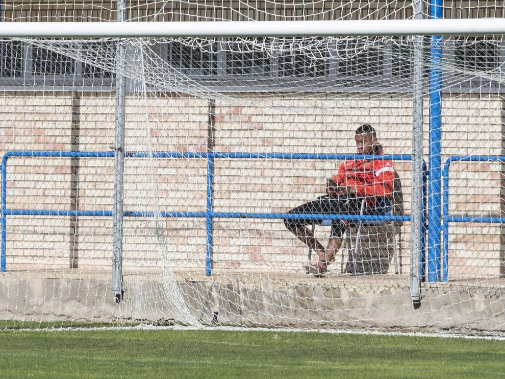 Hinestroza, que no se entrenó el pasado lunes junto a sus compañeros, observó la sesión desde fuera del campo