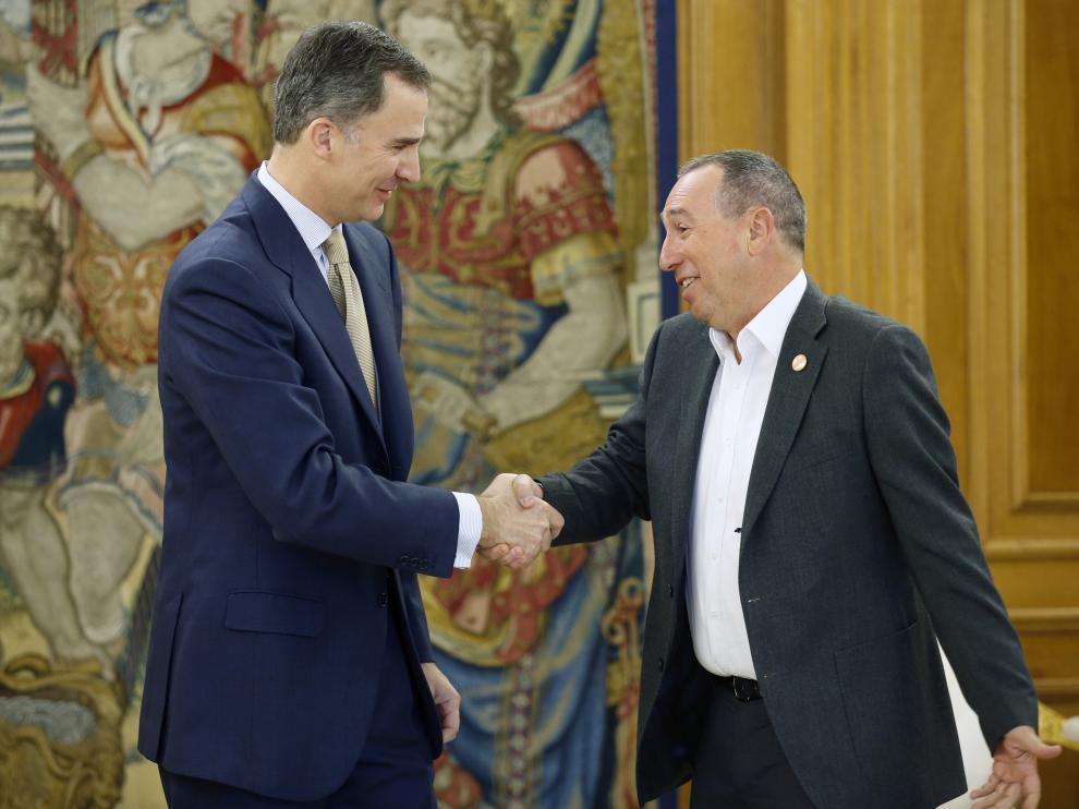 El rey Felipe VI ha recibido hoy en el Palacio de la Zarzuela al portavoz de Compromís, Joan Baldoví,