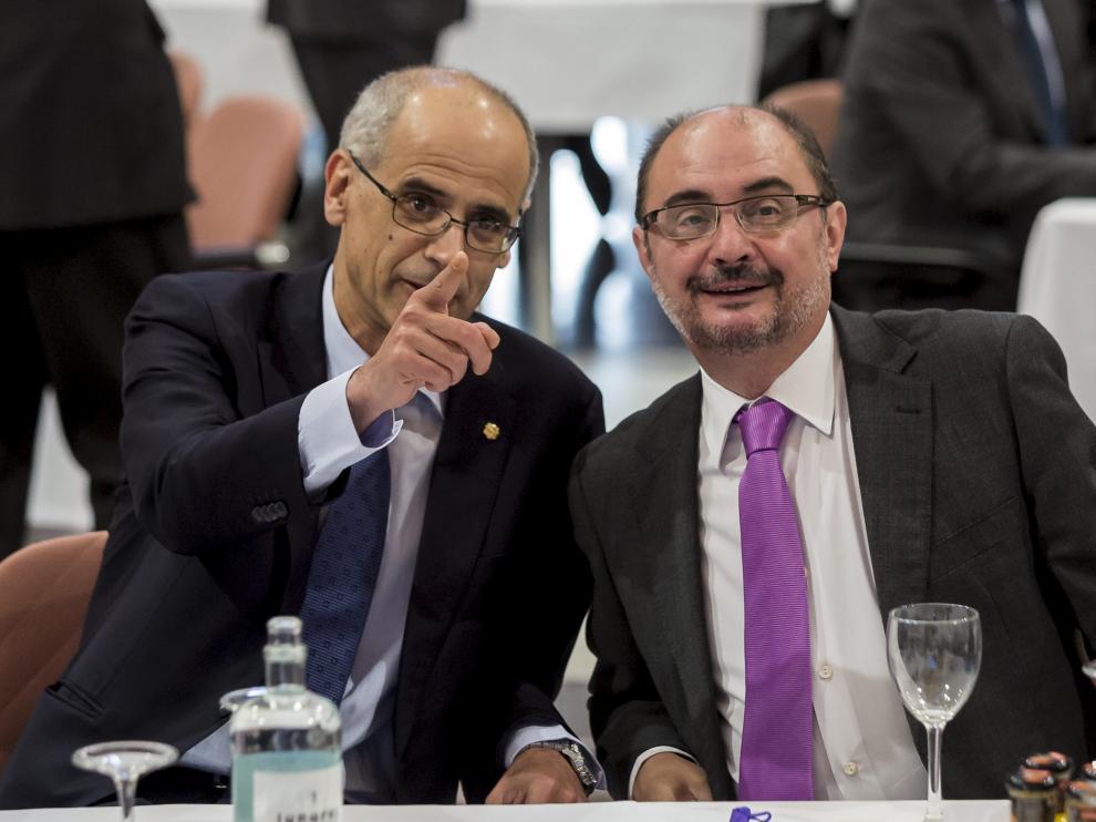 Los máximos responsables de los Gobiernos de Andorra y Aragón, Antoni Martí  y Javier Lambán respectivamente exploran nuevos nichos de colaboración.