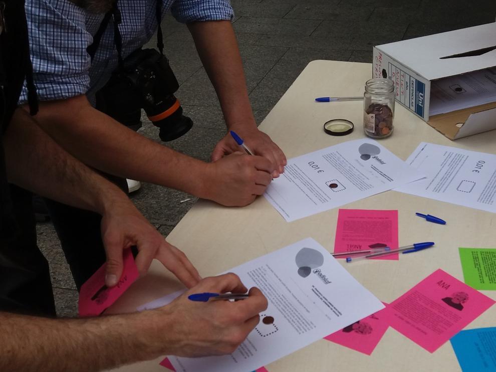 Recogida de firmas y céntimos en apoyo a las entidades del OADI