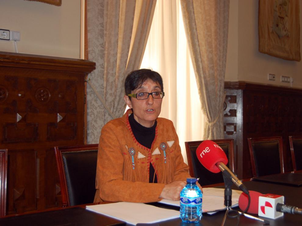 La diputada de Igualdad de Oportunidades, Servicios Sociales y Residencias, Pilar Delgado, en rueda de prensa.