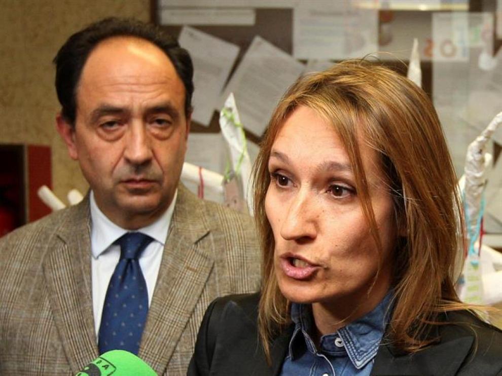 La gerente del Servicio Público de Empleo de la Junta de Castilla y León, Rocío Lucas, atiende a los medios a su llegada a la clausura en Soria de las Jornadas de Difusión de la Formación Profesional.