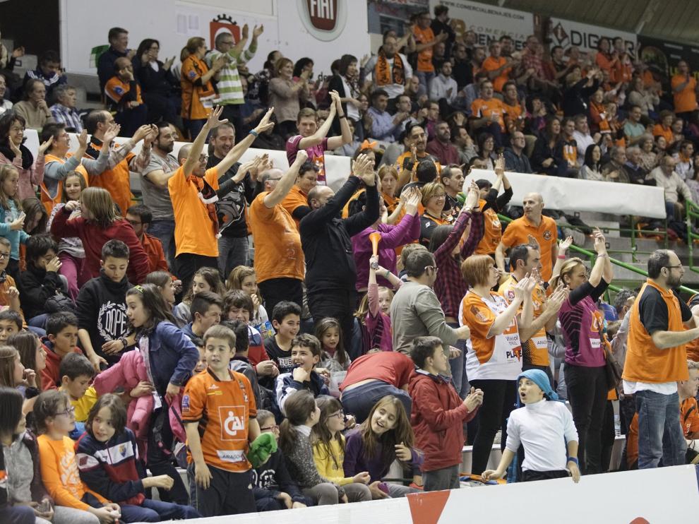 La entusiasta afición naranja llenará las gradas de Los Planos en el momento cumbre de la temporada.