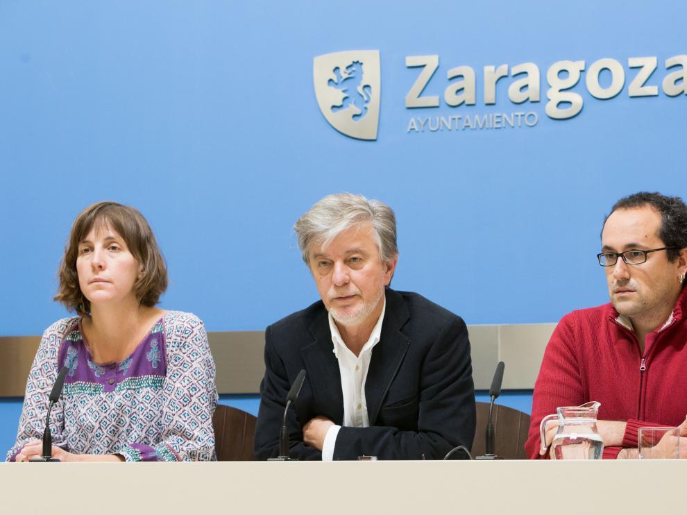 Teresa Artigas, Pedro Santisteve y Alberto Cubero valoran el fin de la huelga de autobús.