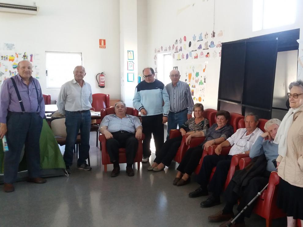 Familiares y usuarios encerrados en la sede de Adislaf