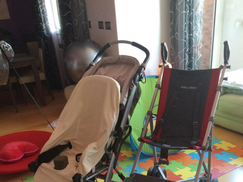 Las sillas de ruedas de Irene, con una discapacidad del 67%, tienen un aspecto más normal de lo habitual.