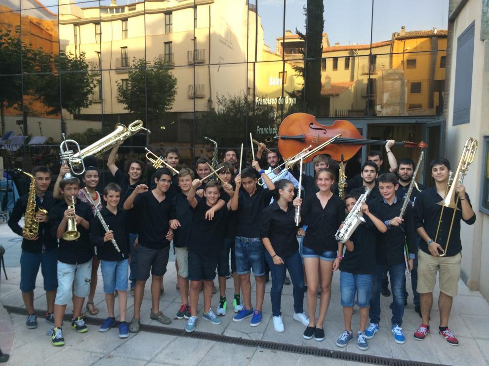 En la foto, Jazz for Kids, los alumnos de la única Escuela de Jazz que hay en Aragón dirigida por Dani Escolano.