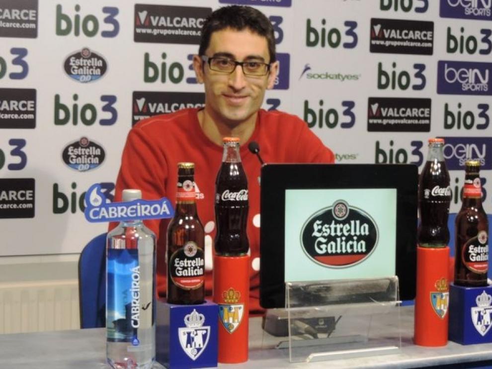 Rubén Vega, en su primera rueda de prensa tras hacerse cargo de la Ponferradina y en la previa de recibir al Real Zaragoza.