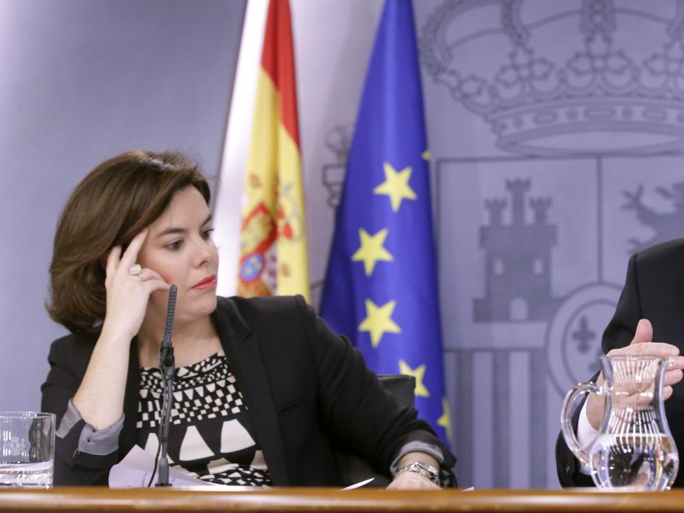 Rueda de prensa de Sáenz de Santamaría y Montoro tras el Consejo de Ministros.