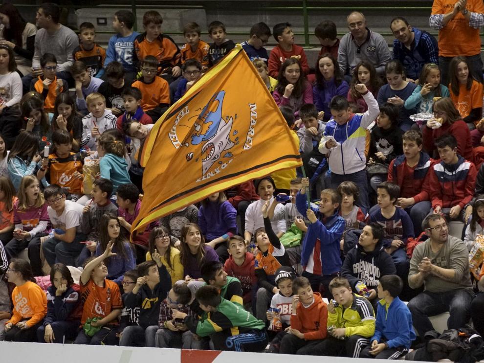La afición arropará a la plantilla del CAI Teruel en los dos partidos que se disputarán en Los Planos este fin de semana.