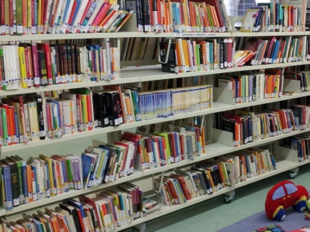 Biblioteca de La Puebla de Alfindén.