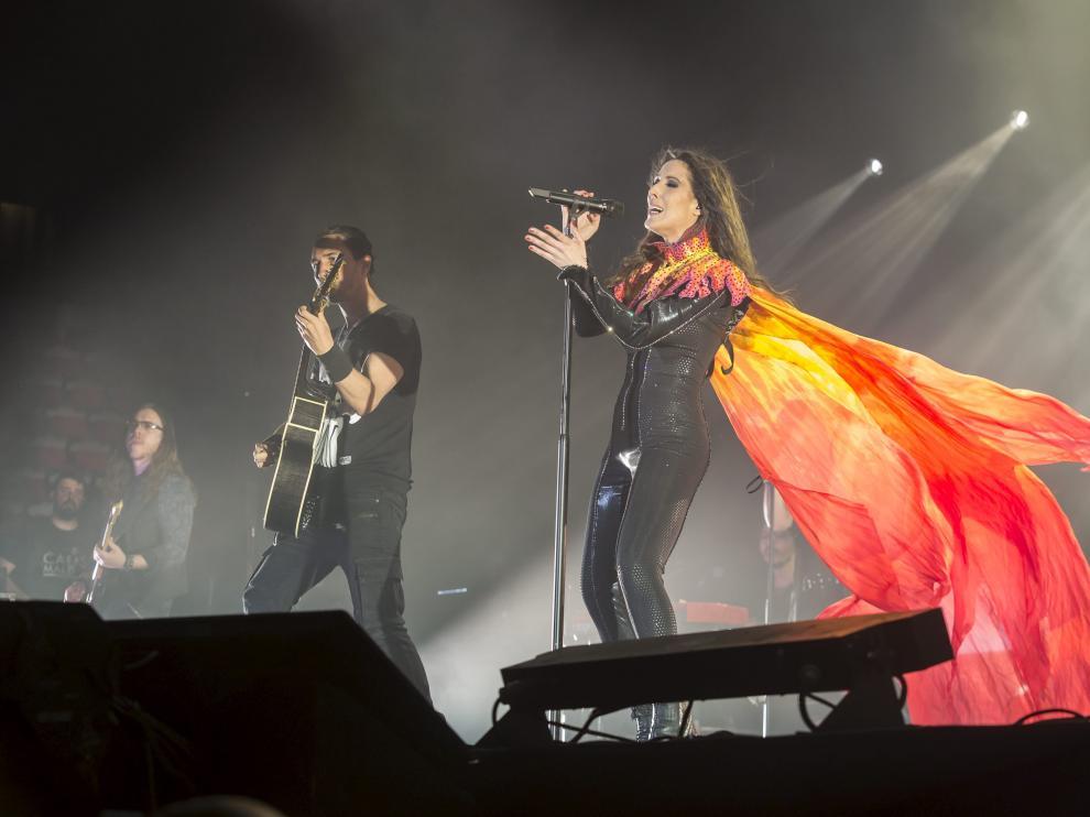 Imagen de archivo de un concierto de Malú en el Pabellón Príncipe Felipe, que este sábado actúa en el mismo escenario.