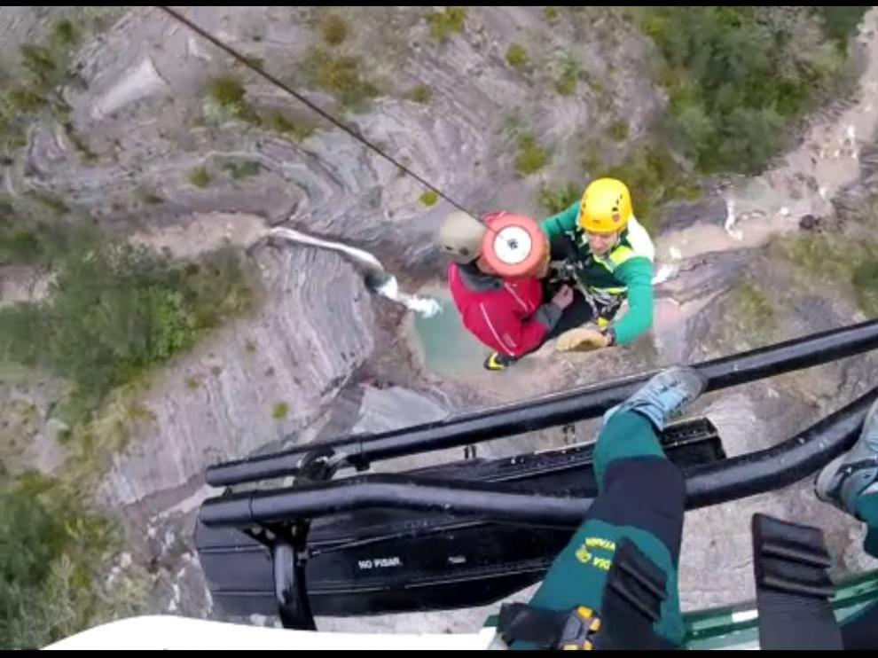 Rescate de un montañero herido